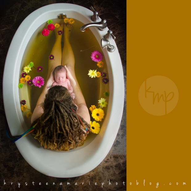 Krysteena Marie photography | beautiful newborn session herbal bath with mother and baby
